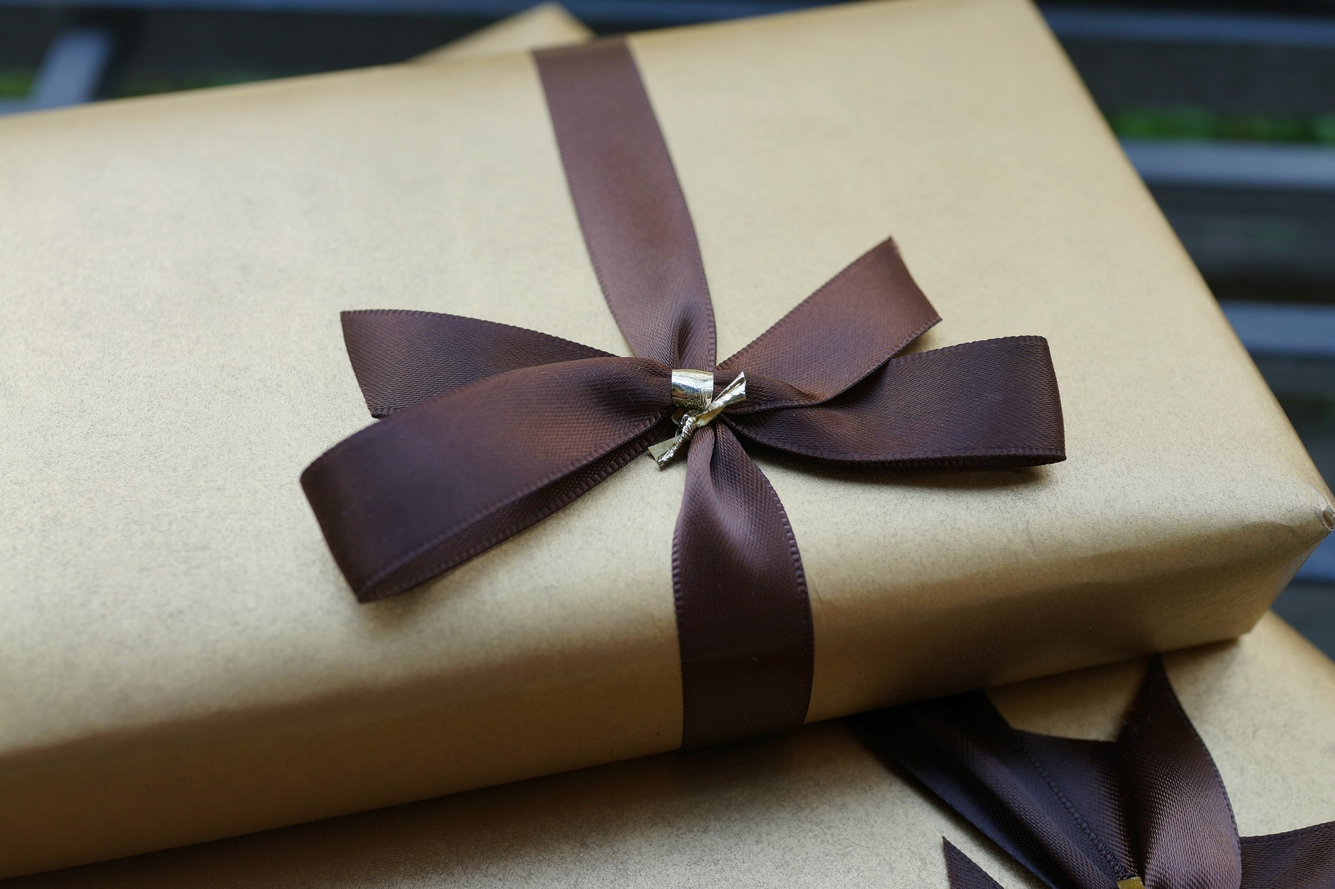 gifts-2872124_1920