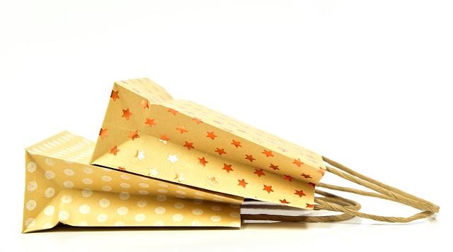 dve papierové tašky.jpg