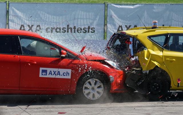 autonehoda dvoch áut.jpg